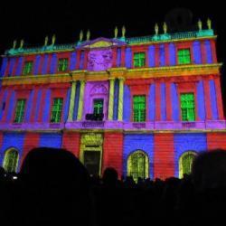 Hebdo semaine 51: Arles en lumière a l'occasion du Drôles de Noels.