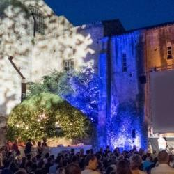 Hebdo semaine 49 : Un Drôle de Noël &agrave Arles !